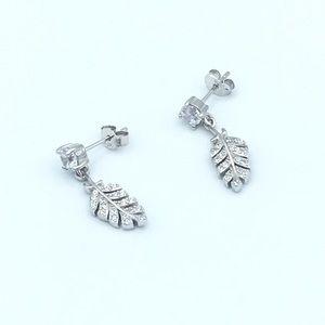 🛍925 Sterling Silver Feather Dangling Earrings🛍